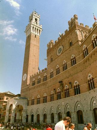 City_Hall_Siena_Italy-325x435